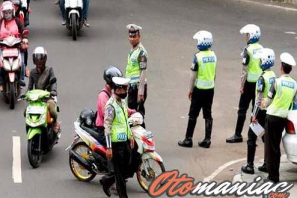 Cara Menghindari Razia Polisi Di Jalan